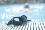 alien goggles - pool - laura dragulin - photostories